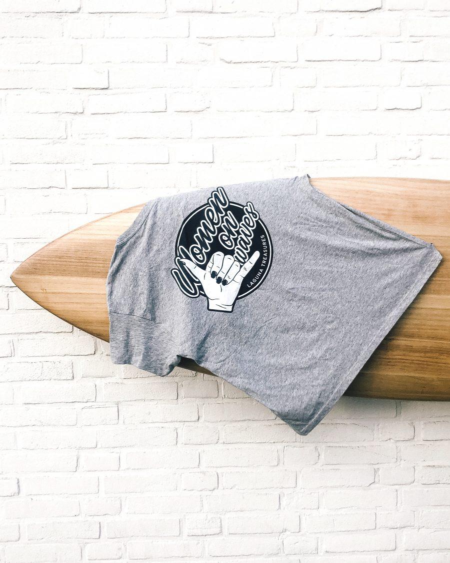 t-shirt women waves logo