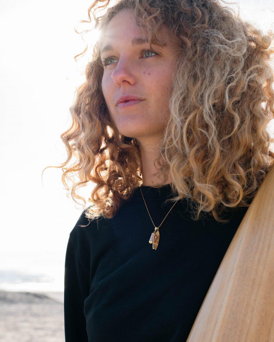 laguna-beach-prendant-goud-surfplank-anouk