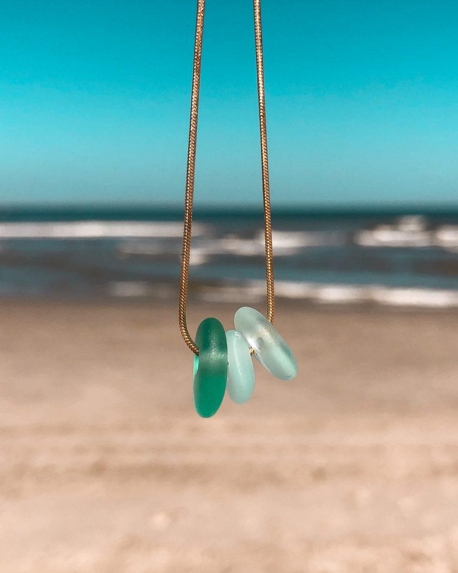zeeglas-ketting-goud-driekleur-groen-zee