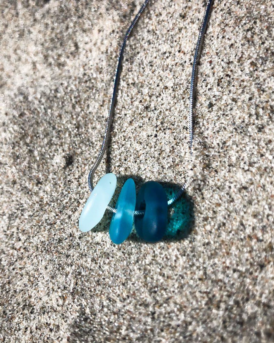 zeeglas-ketting-zilver-driekleur-blauwzand